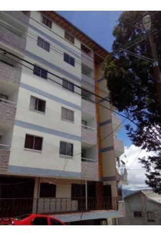 casa yarumal, sexto y último piso, muy iluminado y ubicado