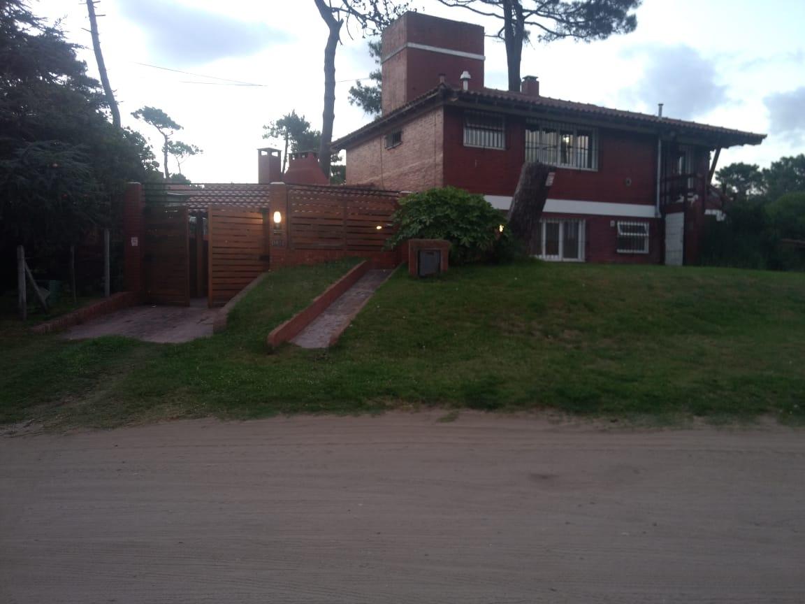 casa zona centro en venta villa gesell