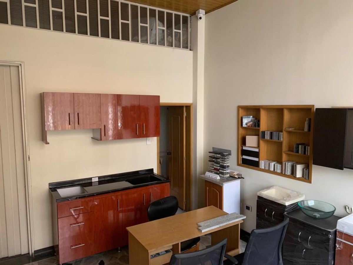 casa,bodega,con oficinas,local, dos apartamentos y terraza