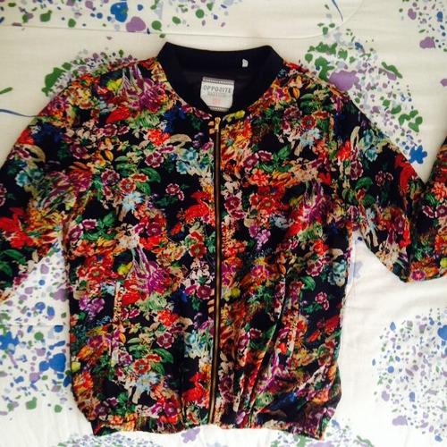casaca floreada
