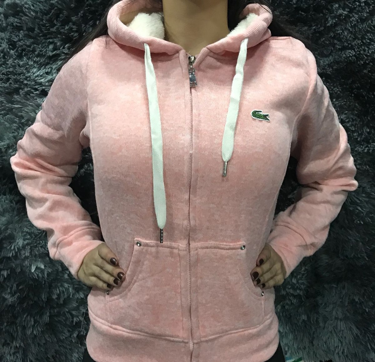 855e9bbe90b casaco blusa feminina lacoste para frio intenso frete gratis. Carregando  zoom.