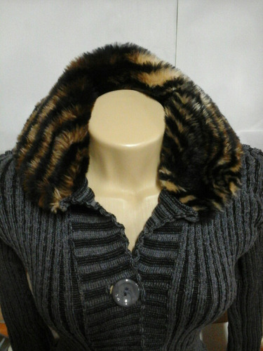 casaco com gola de pelo