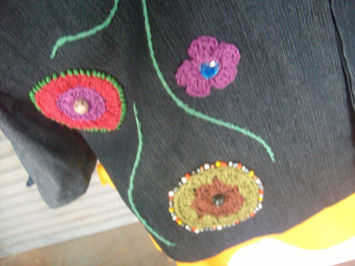 casaco jeans com apliques de crochet