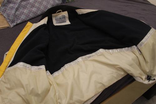 casaco masculino importado com um acabamento fora de serie
