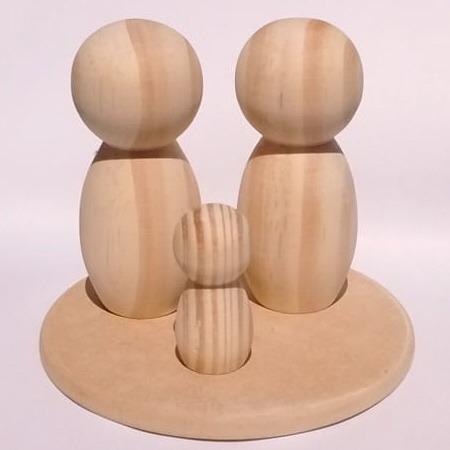 casal de bonecos com 9 cm e 1  de 5 cm + base redonda