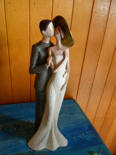 casal de noivos em gesso