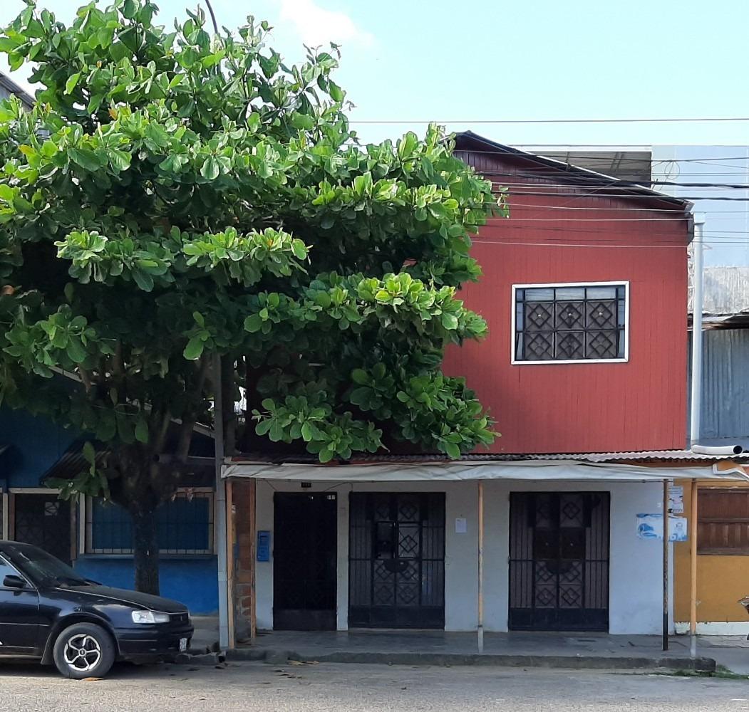 casa/local comercial  en centro de pucallpa