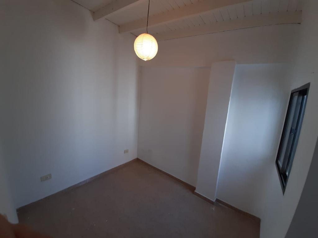 casa/ph de 3 ambientes con garage.