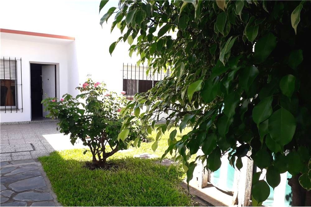 casa,ph,en venta,3 amb.,con jardin, munro, planta baja al frente, a una cuadra de panamericana