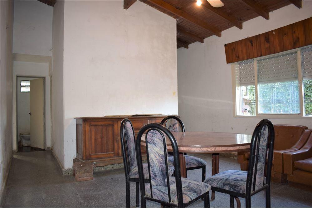 casaquinta 5 ambientes sobre doble terreno 1640 m2 ingeniero maschwitz piscina y vivienda adicional