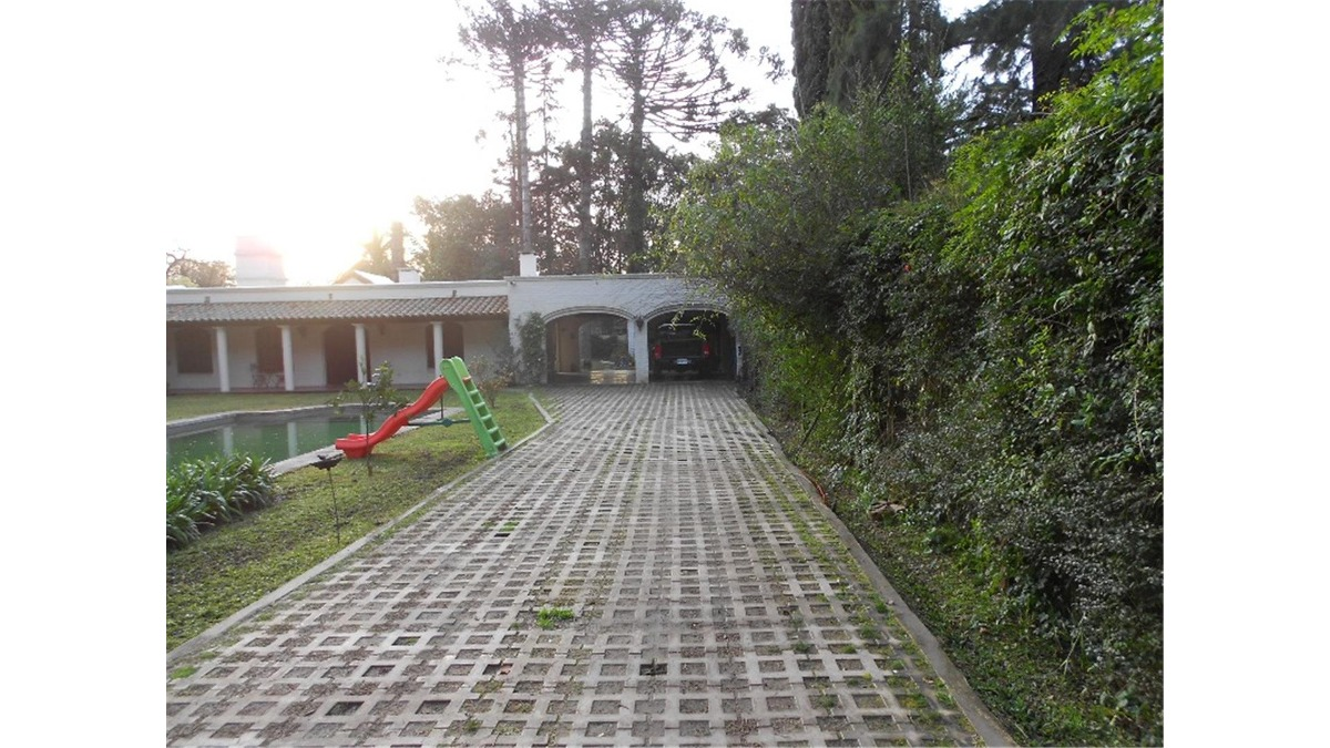casaquinta en venta : parque leloir : 6 ambientes : 1805m2