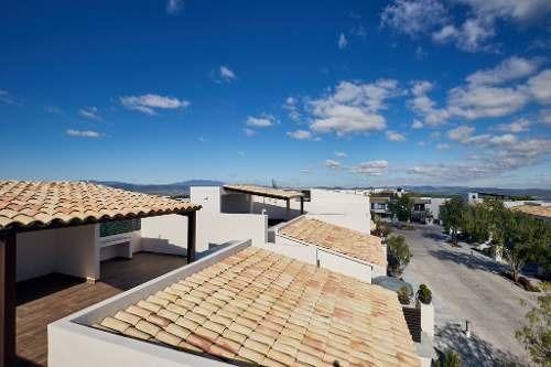 casas a estrenar construcción 207 m2  en privada con alberca y hermosas areas verdes