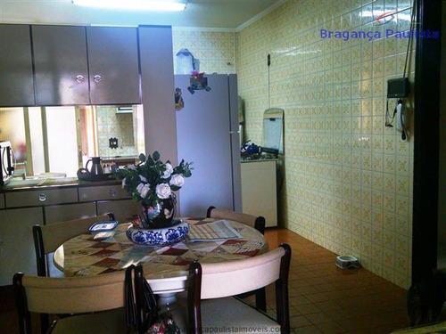 casas a venda com 03 dormitórios no centro de bragança pta.