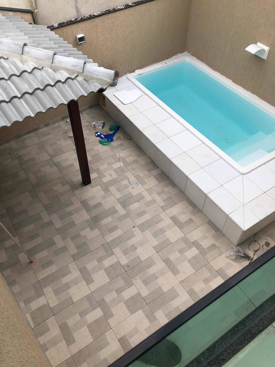 casas com piscina em condomínio no magarça