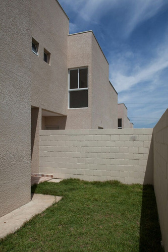 casas condomínio fechado castelo branco km 68 mairinque