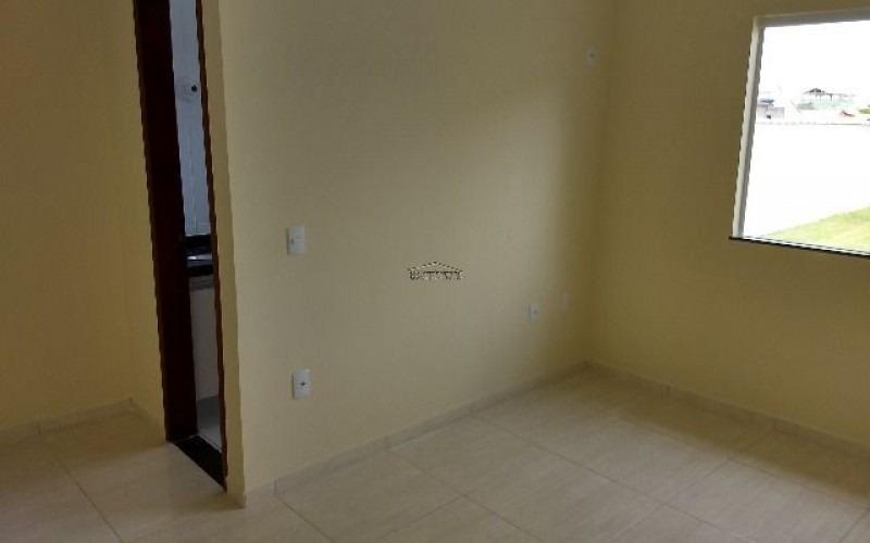 casas de 2 quartos sendo 1 suite em itaipuaçu marica rj