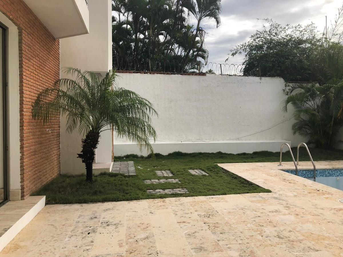 casas de lujo en venta en la julia 2niveles 4hab- piscina