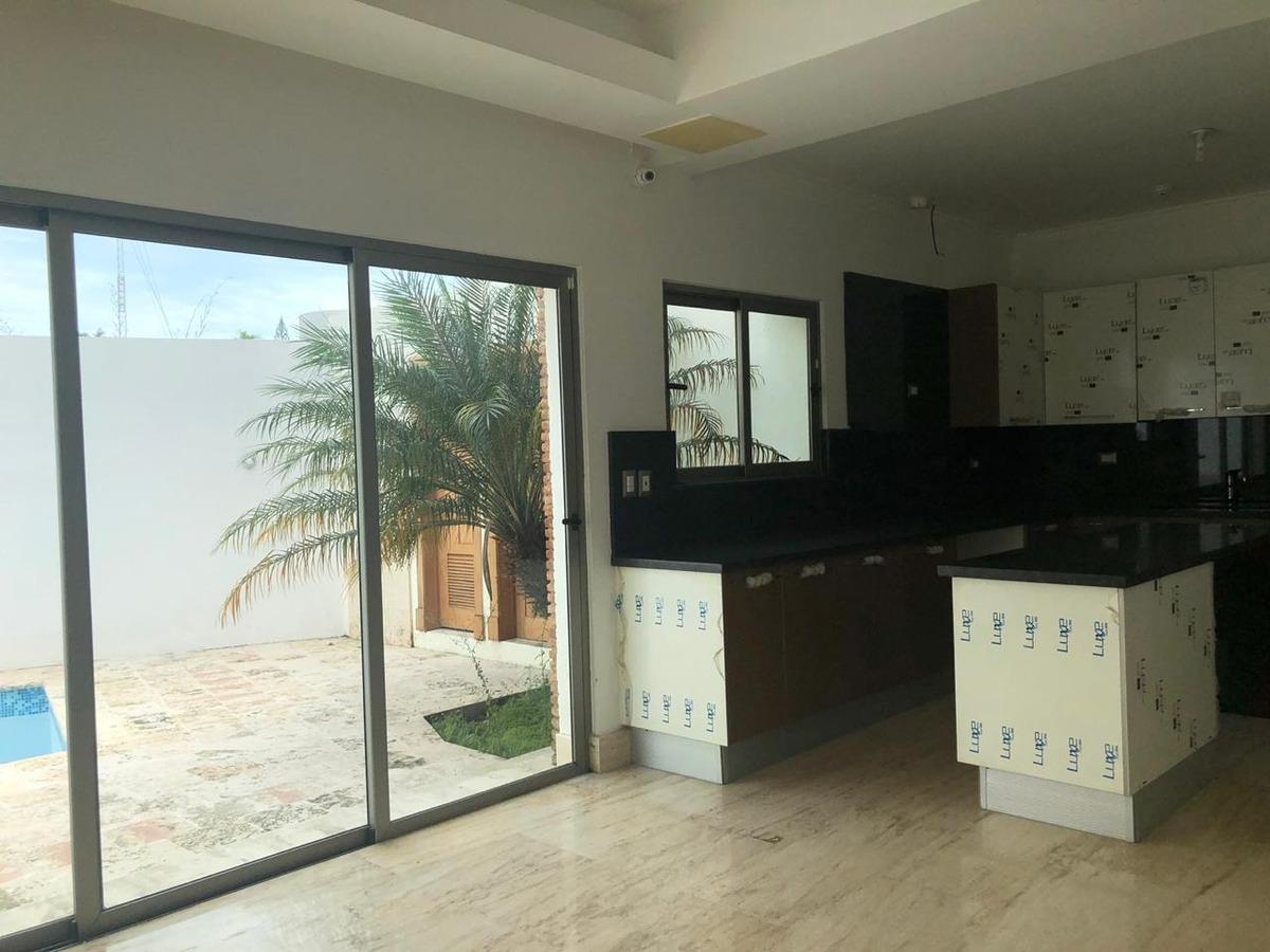 casas de lujo en venta en la julia 4hab 3niveles piscina
