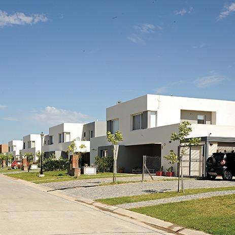 casas del este-pilar del este- casa 3 amb. con doble cochera