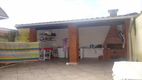 casas em mongaguá...excelente localização!!  v5878