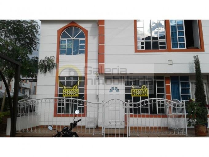 casas en arriendo prados de fatima 704-4497