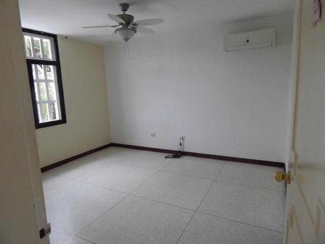 casas en venta ap la mls #16-8242 -- 0412-2564657