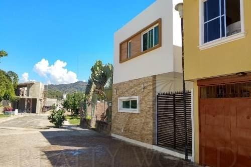 casas en venta en el campanario, manzanillo