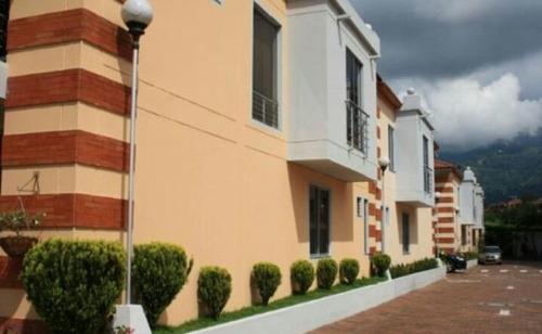 casas en venta los parrales 903-155
