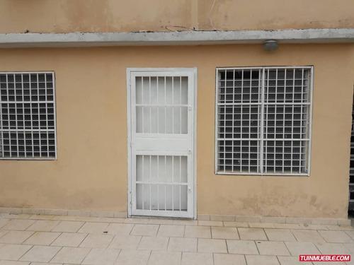 casas en venta04144453334altos de corinsa