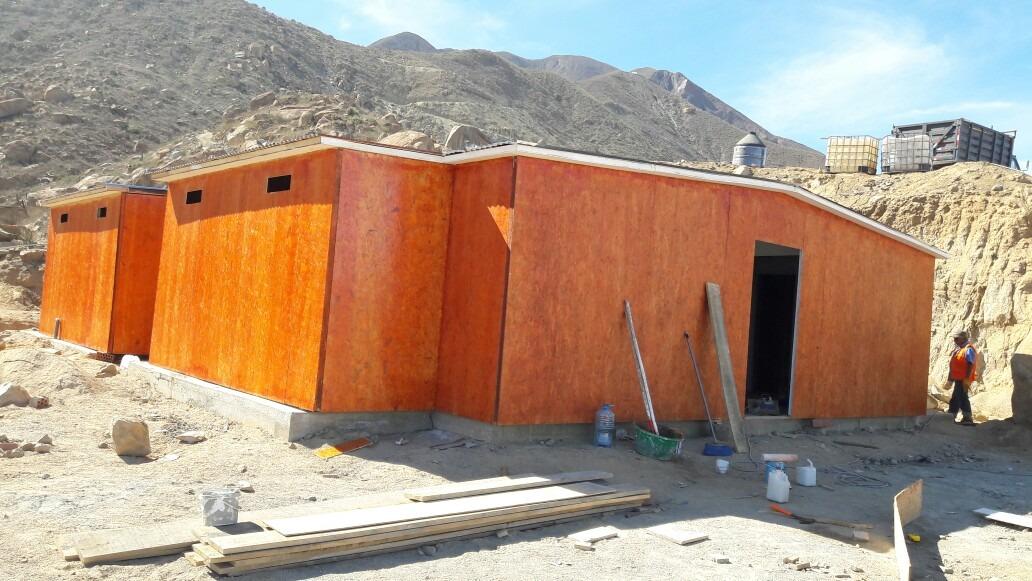 casas prefabricadas, techados y pisos de madera.