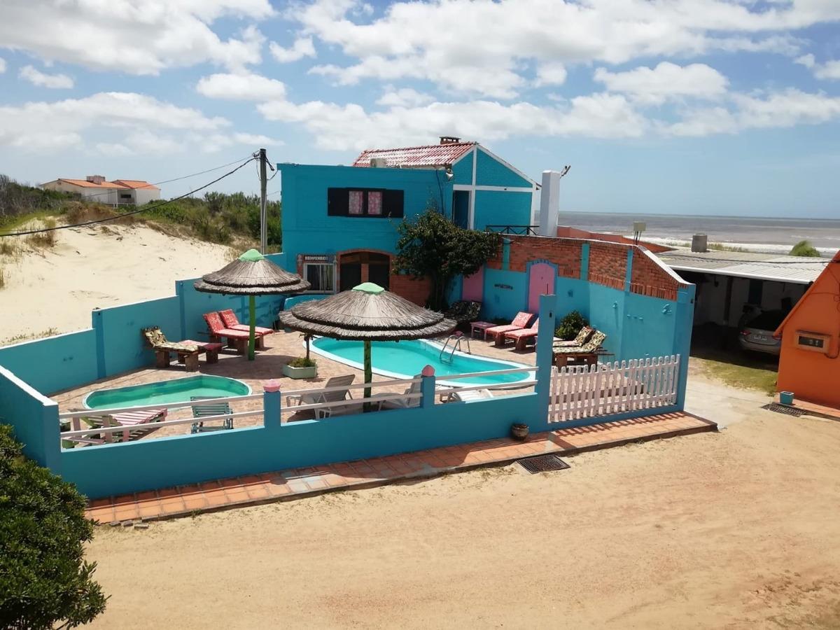 casas,cabañas frente al mar complejo en barra uruguaya