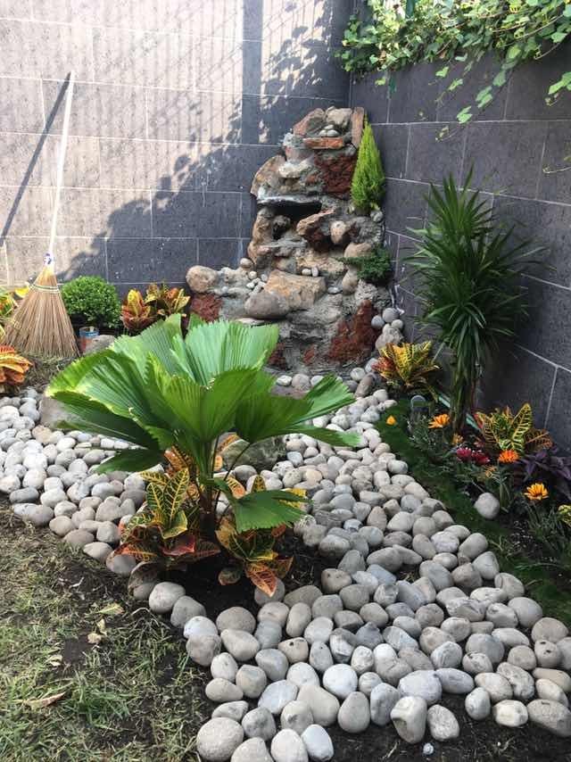 Cascada x piedra de r o tezontle y cantera for Piedras de rio para jardin