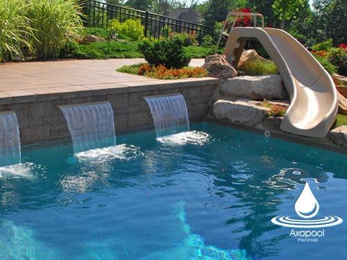 Cascadas fuente para piscina de fibra vidrio y gelcoat for Cascadas de piscinas