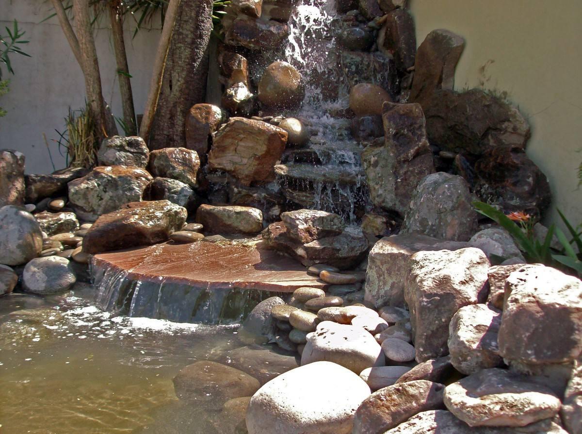 Cascadas muro de agua fuentes arquitect nicas en for Cascadas con piedras