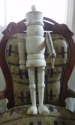 cascanueces de madera. 38cm de alto. diferentes modelos