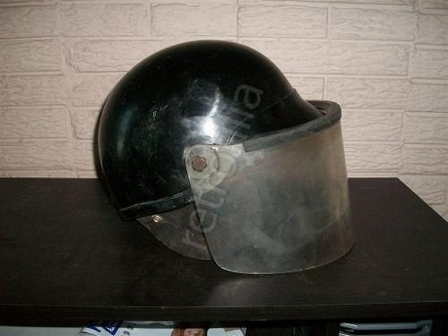 casco anti motines años 70s