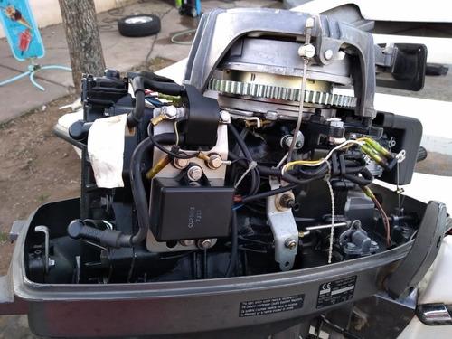 casco aramendi con motor tohatsu japones.