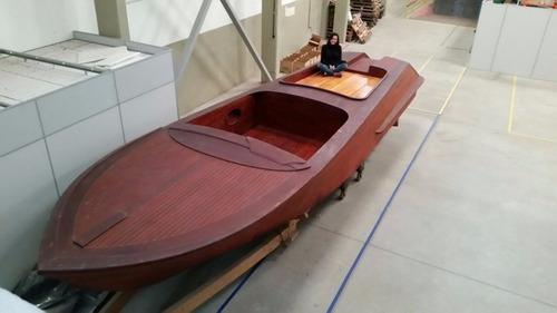 casco clássico de riva aquarama special em mogno maciço