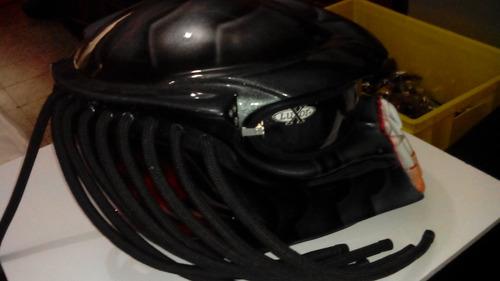 casco depredador