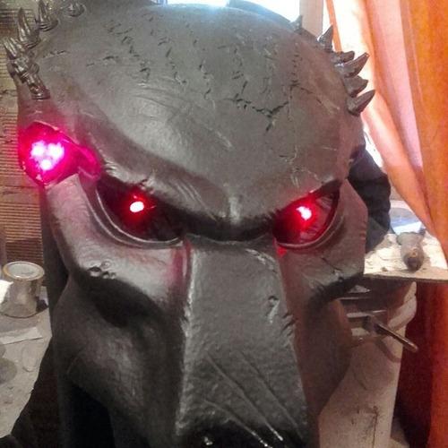 casco depredador para robot led envio gratis
