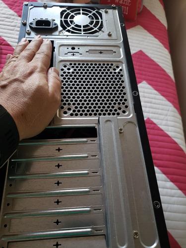 case de computadora con quemador y con fuente