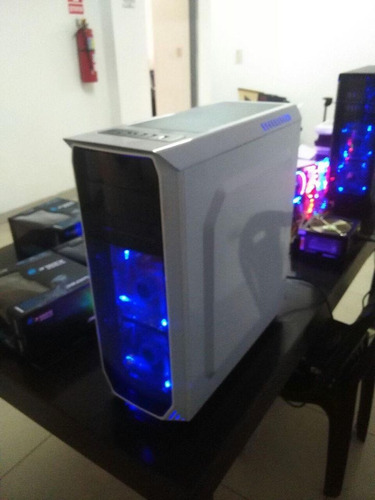 case gaming 1st player fire blanco sin fuente nuevo