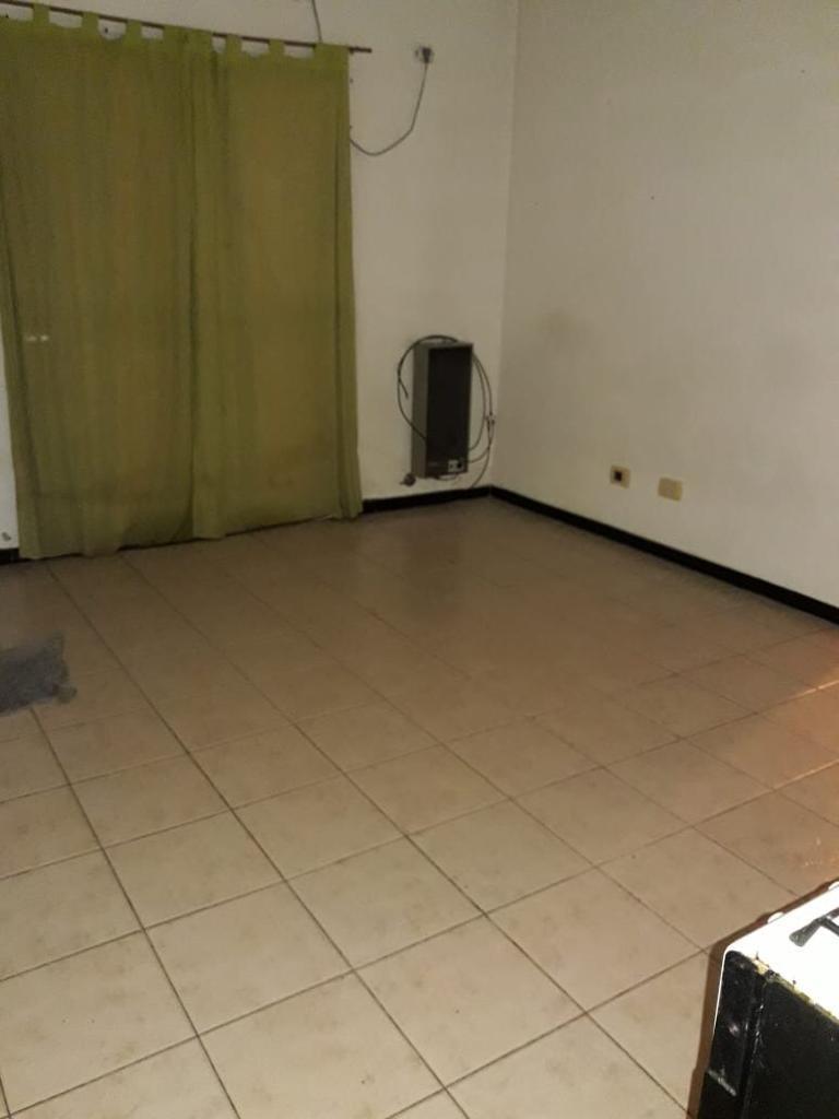 caseros belgrano y spandonari departamento en 1º piso al frente1 dormitorio, cocina comedor diario con balcon,  baño, lavadero. mas exp y mun f: 5267