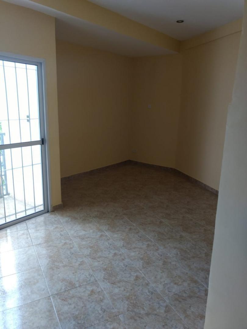 caseros: departamento de 1 ambiente en 2do piso a estrenar con balcon propio; alquiler $7500 mas $1500 de expensas que incluyen; municipal aysa limpieza y luz de lugares comunes.   f: 7733