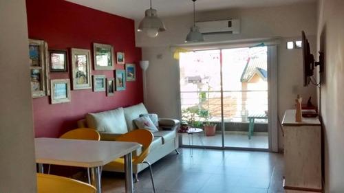 caseros: en alquiler departamento de 2 ambientes de 53m2 en perfecto estado, cocina completa y amoblada, living comedor , un dormitorio con placard  f: 6959