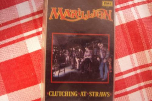 caset marillion clutching at straws