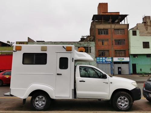 caseta mèdica/ cabina de ambulancia