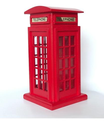 caseta telefónica de madera