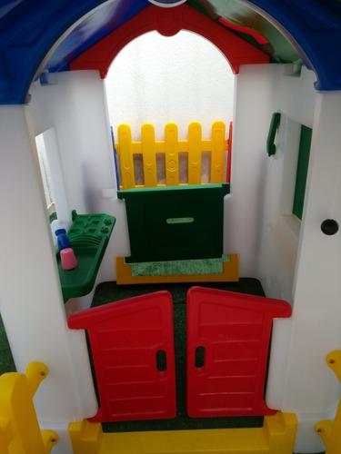 casinha de campo com cerquinha