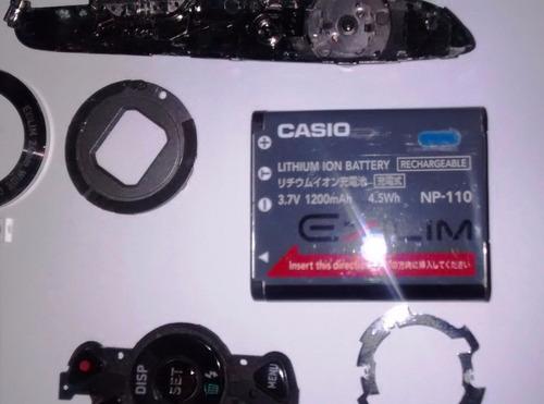 casio exilim ex-z2000 digital camera desmontada.